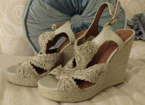 Lucky Brand Wedge crochet lace chunky Sandals